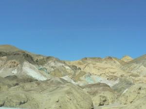 De kleurige rotsen bij Artists Drive